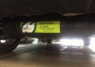 Montaje por debajo con cilindro de 33 litros